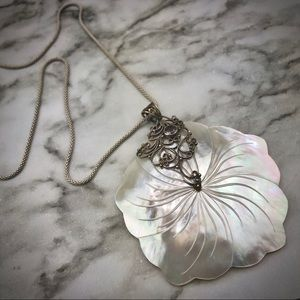 Mother of Pearl Flower Pendant Necklace 925 Silver